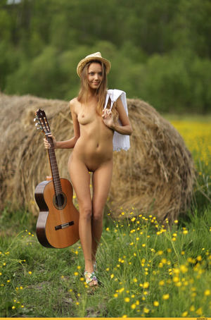 naked musicians