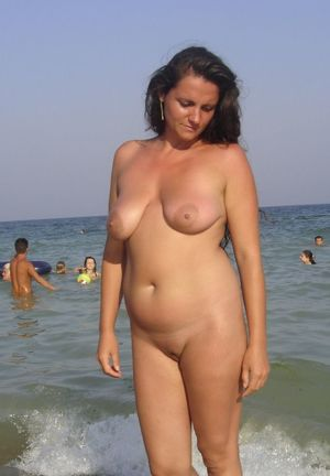 nude female exhibitionist