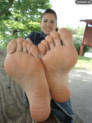 nudist feet