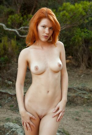 lindy booth nudes
