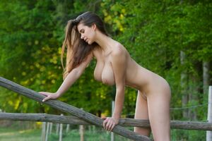 beautiful naked horny girls