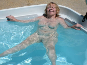 mature women flashing