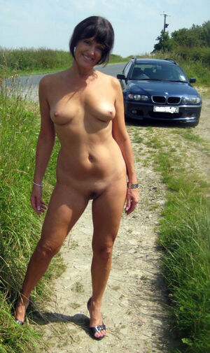 naked beautiful blonde women