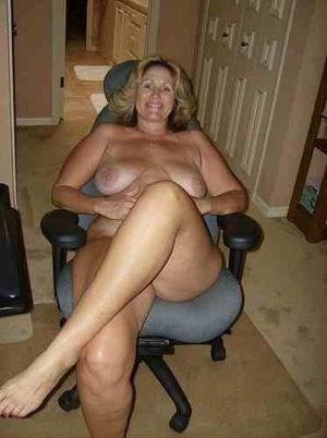 blonde nude wife