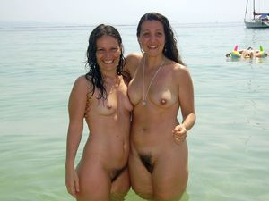 nudist mom daughter