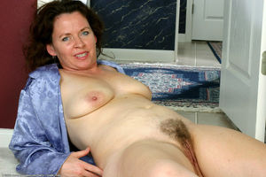 hairy mature squirt