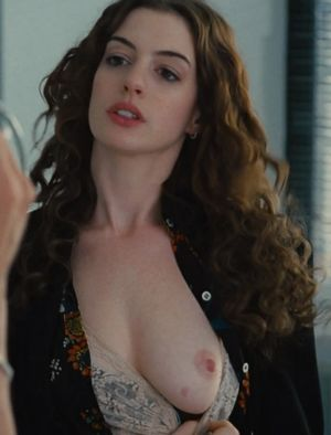 anne hathaway nude photos