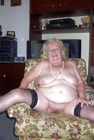 beautiful granny nude